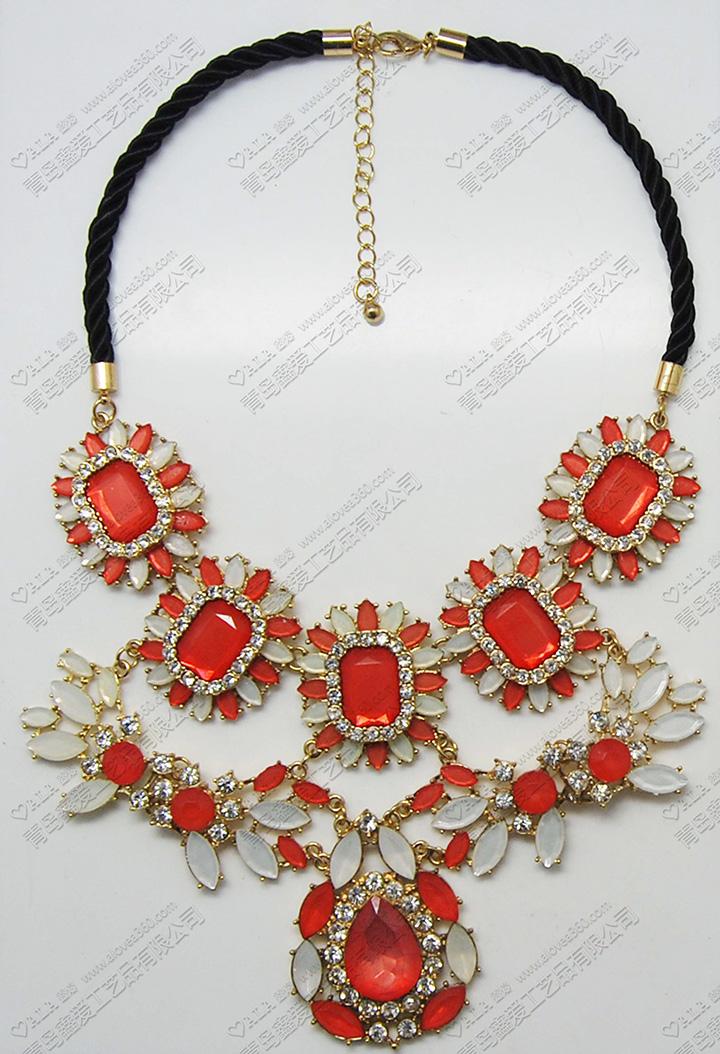 黑色绳中国红雪蛋白喜庆时尚短项链