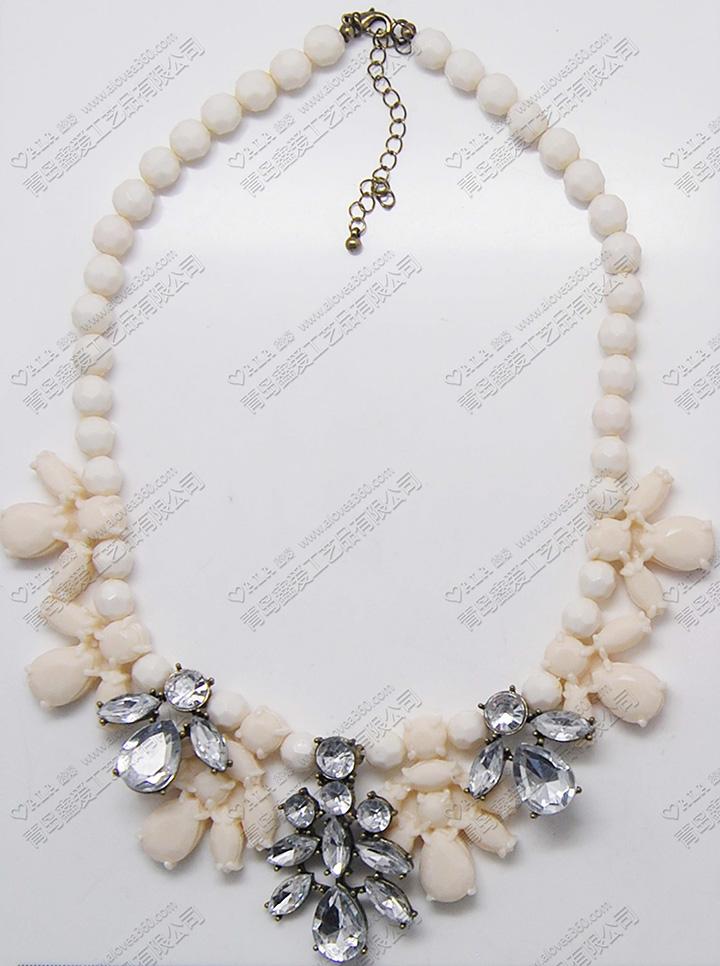 珠子项链花型吊坠精美复古时尚项链