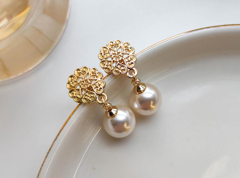 简约气质珍珠耳环饰品工厂
